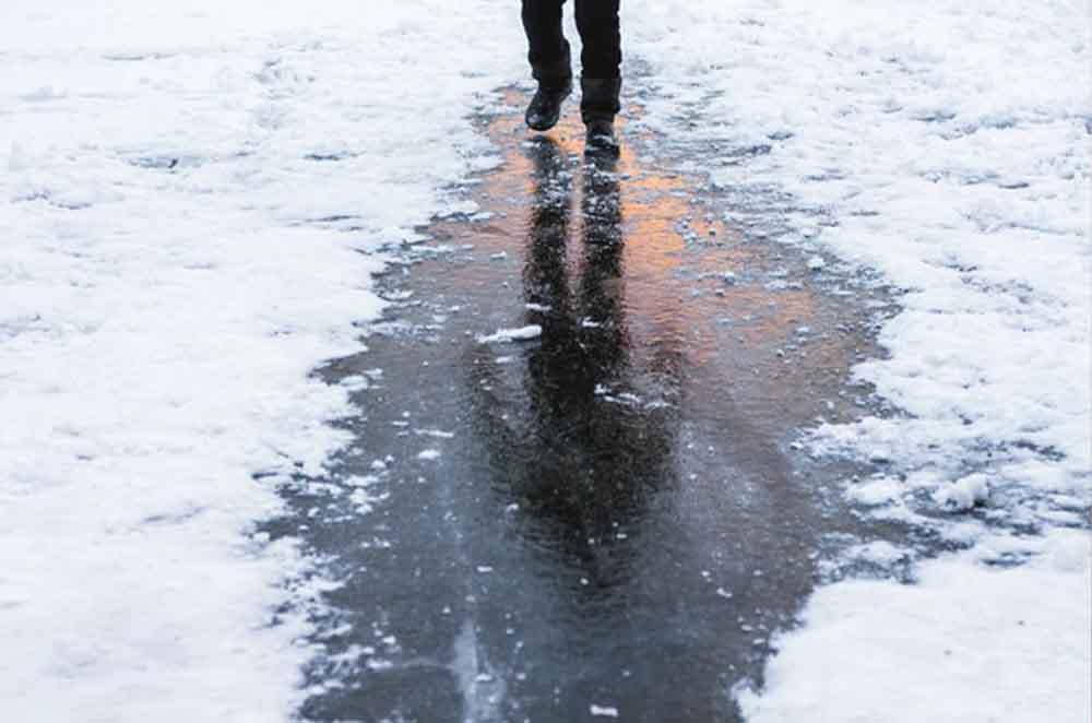 ذوب شدن یخ با کلرید کلسیم