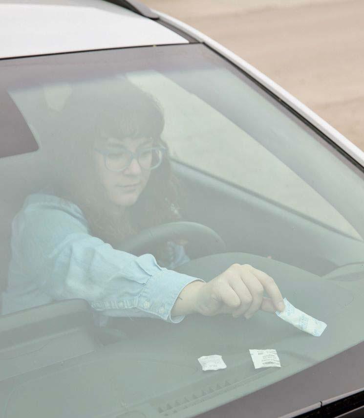 سیلیکاژل در جذب رطوبت شبشه اتومبیل